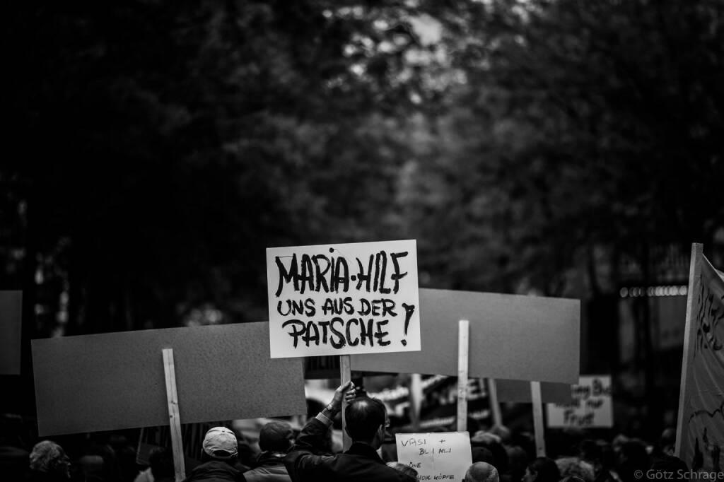 Maria-Hilf uns aus der Patsche! (c) Götz Schrage für Mrs. Vassilakou - Tear down this Wall! https://www.facebook.com/groups/157079997828315/?fref=ts (21.09.2013)
