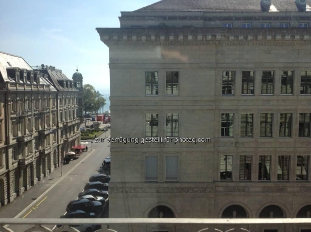 AT&S: Aussicht auf die National Bank in Zürich - Montag , © AT&S (24.09.2013)