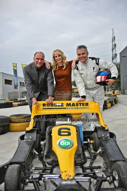 Gerald Hanisch (CEO RM), Silvia Schneider, Leo Jindrak (Vorstandsmitglied Bäko), © Rubble Master HMH GmbH (27.09.2013)