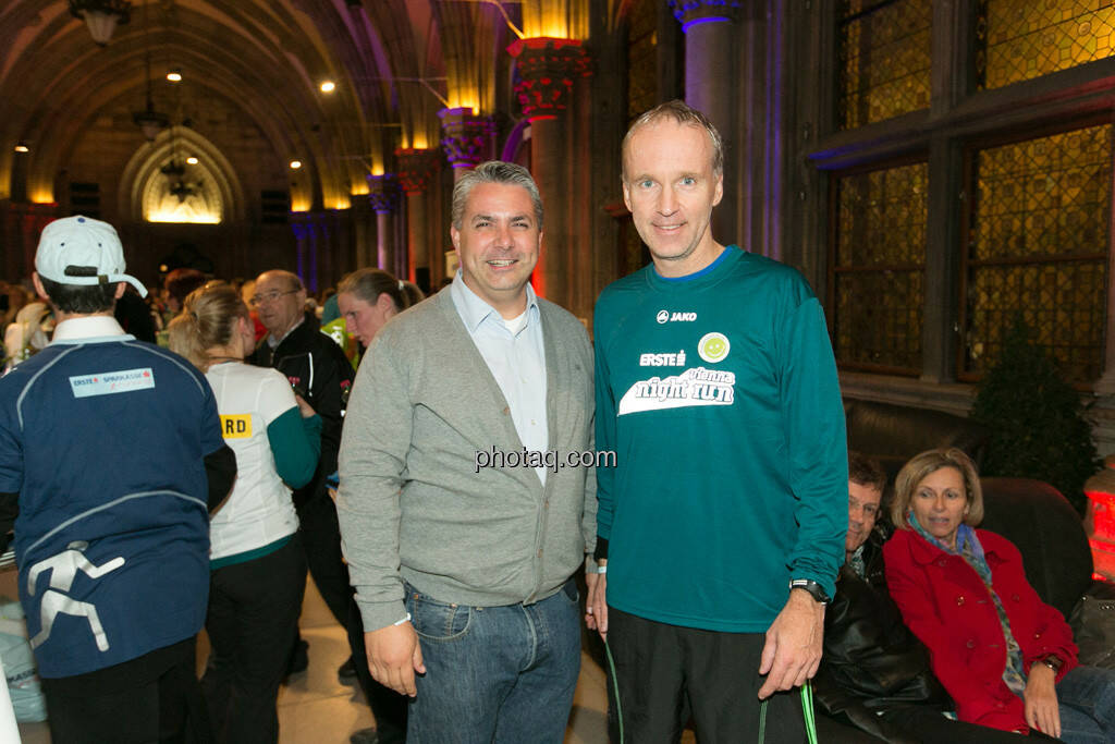 Erste Bank Vienna night run 2013, Peter Bosek (Vorstand Erste Bank), Christian Drastil, © finanzmartkfoto.at/Martina Draper/Josef Chladek (01.10.2013)