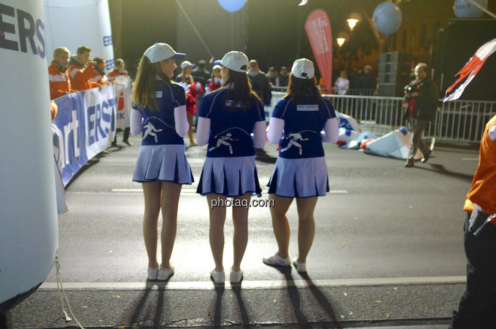 Erste Bank Vienna night run 2013, Cheerleader, © finanzmartkfoto.at/Martina Draper/Josef Chladek (01.10.2013)