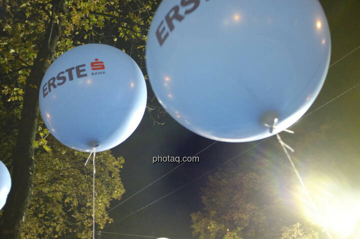 Erste Bank Vienna night run 2013, Luftballons