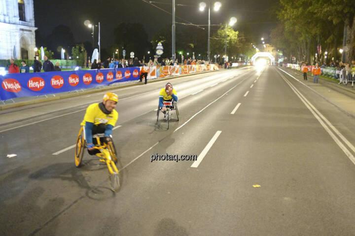Erste Bank Vienna night run 2013, Läufer mit Rädern