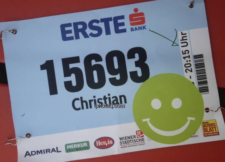 Startnummer mit Smeil: Christian ist exakt 500. geworden, siehe http://runplugged.com/2013/10/02/exakt_auf_rang_500_beim_erste_bank_vienna_night_run_4km_waren_sicher_nicht_4km