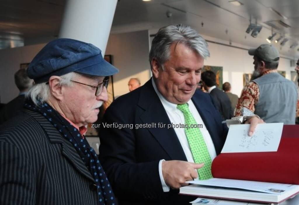 Hans Staudacher mit Hans Peter Haselsteiner, © Strabag Kunstforum (05.10.2013)