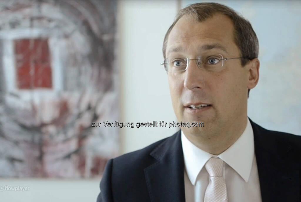 Rafael Daum, CEO Rehau, Region Südosteuropa Ich bin mittlerweile seit über 12 Jahren dabei. Wahrscheinlich würden viele sagen, ich sei ein hausinternes Gewächs. Das Video (4:32 min.) dazu unter: http://www.whatchado.com/de/rafael-daum, © whatchado (08.10.2013)