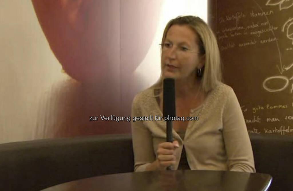 Ursula Riegler, Unternehmenssprecherin McDonald's Österreich Meinem 14jährigen Ich würde ich raten, auf das Bauchgefühl zu hören.  Das Video (4:30 min.) dazu unter: http://www.whatchado.net/videos/ursula_riegler, © whatchado (09.10.2013)