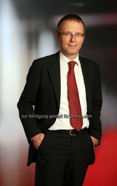Christian Heger, Chief Investment Officer bei HSBC Global Asset Management (Deutschland): Trotz der jüngsten Kursgewinne zeigt die Bewertung nahezu aller Aktienmärkte noch keine Überhitzungserscheinungen. Selbst eine weitere Korrektur der Gewinnerwartungen nach unten dürfte an diesem Bild kaum etwas ändern (Bild: HSBC) (10.10.2013)