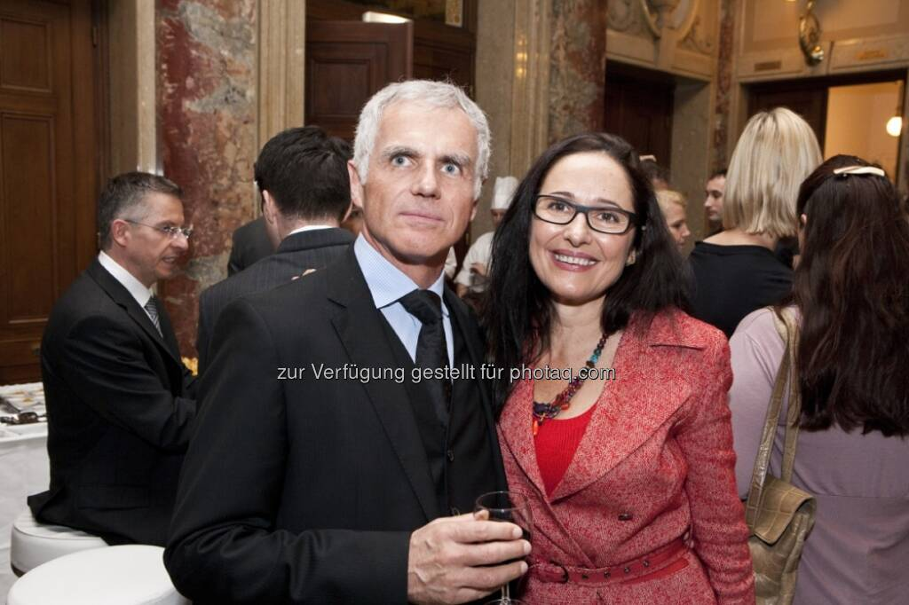 Arnold Schmidt, ac cult enterprise, Snezana Jovic, GELD-Magazin (15.12.2012)
