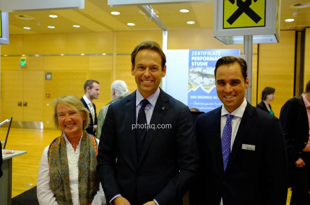 Heike Arbter, Andreas Brandstetter, Philipp Arnold: Der Uniqa-Vorstand zu Besuch bei den Zertifikate-Spezialisten der RCB (17.10.2013)
