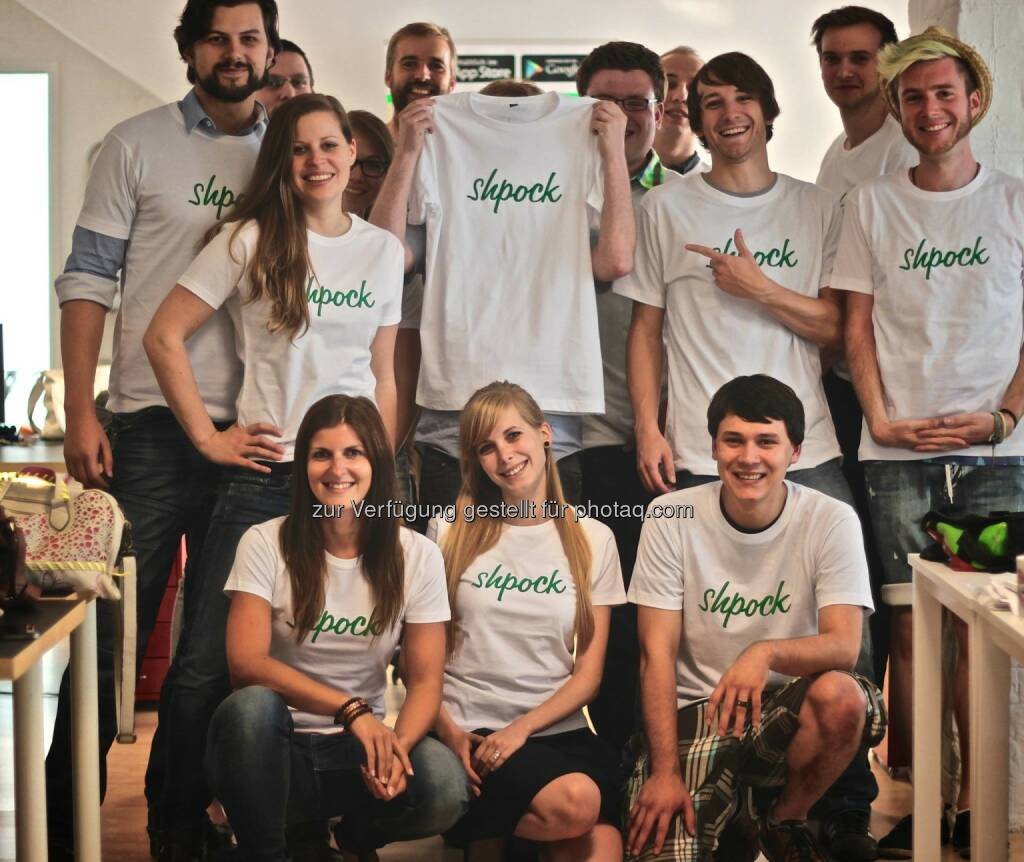 Das shpock-Team, der mobile Flohmarkt für schöne Shirts, äh ... Dinge, mehr unter http://www.finanzmarktfoto.at/search/shpock (17.10.2013)
