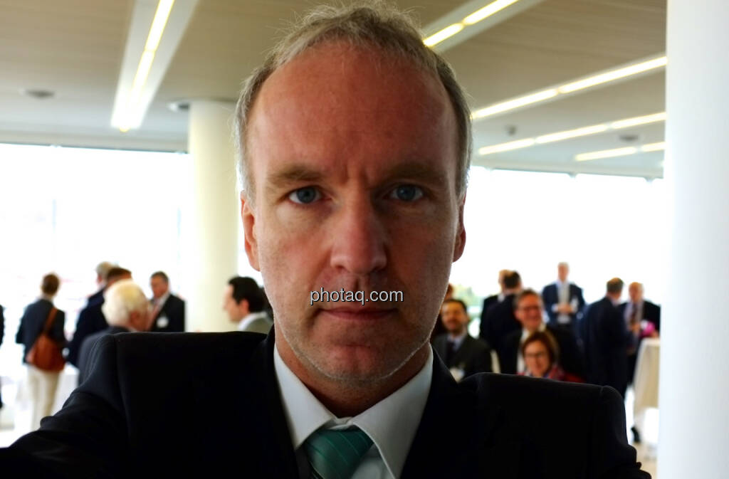 Christian Drastil ( http://www.christian-drastil.com/fachheft-info/ ), ein Selbstfoto muss drin sein. Ein Bericht zum Event folgt im Oktober-Heft (18.10.2013)