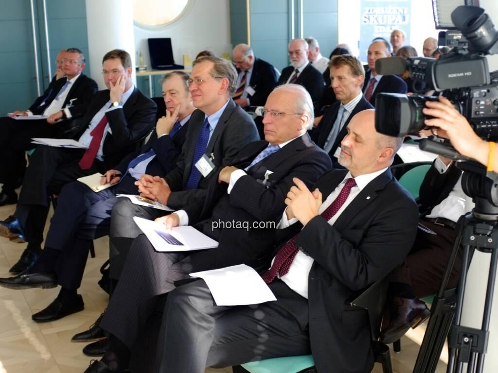 Jean Berthon (Präsident EuroFinUse), Wilhelm Rasinger (IVA), Claus Raidl (OeNB), Peter Hagen (VIG) (18.10.2013)