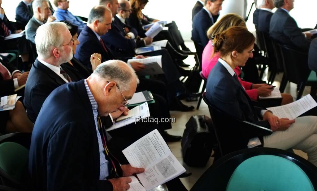 IVA / EuroFinUse-Konferenz im Ringturm: Marius Perger (IVA) und Christiane Hölz (DSW) im Publikum (18.10.2013)