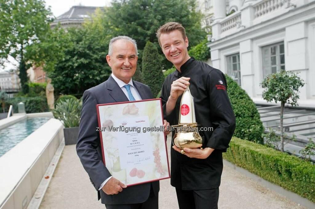 """Agrana und Gault Millau haben Silvio Nickol mit der begehrtesten Auszeichnung in der heimischen Gastronomiebranche """"Koch des Jahres 2014"""" ausgezeichnet (c) Agrana (21.10.2013)"""