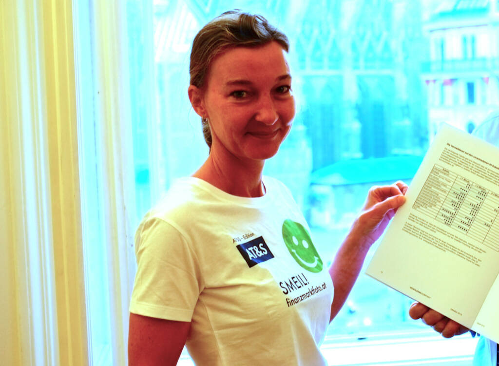 Finanzkommunikations Smeil! Doris Gstatter, Scholdan & Company  (25.10.2013)