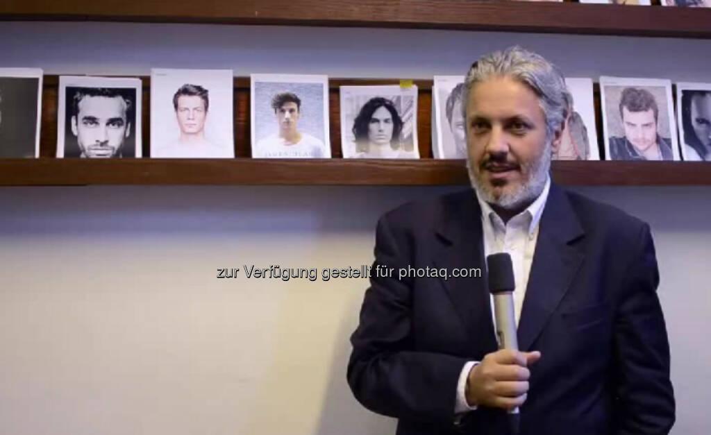 Mario Soldo, Managing Director Man kann am internationalen Parkett mit Sprachen sehr viel anfangen, sagt Managing Director der Model- und Talentagentur Mother Agency. Am besten gefällt ihm an seinem Job, Modeschauen zu inszenieren.  Seinem 14-jährigen Ich rät er, den Idealismus und den Glauben an die Zukunft niemals zu verlieren. Das Video (4:16min.) dazu unter: http://www.whatchado.net/videos/mario_soldo , © whatchado (29.10.2013)