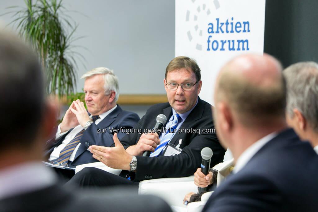 Rudolf Kemler, Vorstand Industrieholding AG, Peter V. Kunz, Institut für Wirtschaftsrecht, Bern, © Martina Draper für das Aktienforum (30.10.2013)