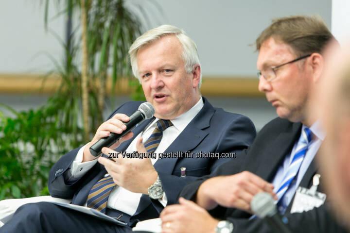 Rudolf Kemler, Vorstand Industrieholding AG, Peter V. Kunz, Institut für Wirtschaftsrecht, Bern