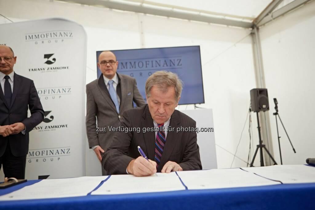 Eduard Zehetner (CEO Immofinanz) bei der Grundsteinlegung Shopping Center Tarasy Zamkow (Bild: Immofinanz) (30.10.2013)