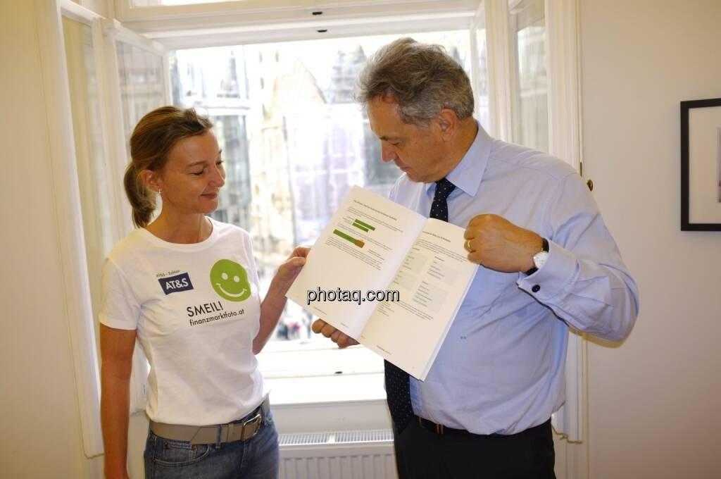 Doris Gstatter, Bernhard Grabmayr (Scholdan & Company) präsentieren Investor Relations 2.0 im Jahr 2013, © Scholdan & Company (30.10.2013)