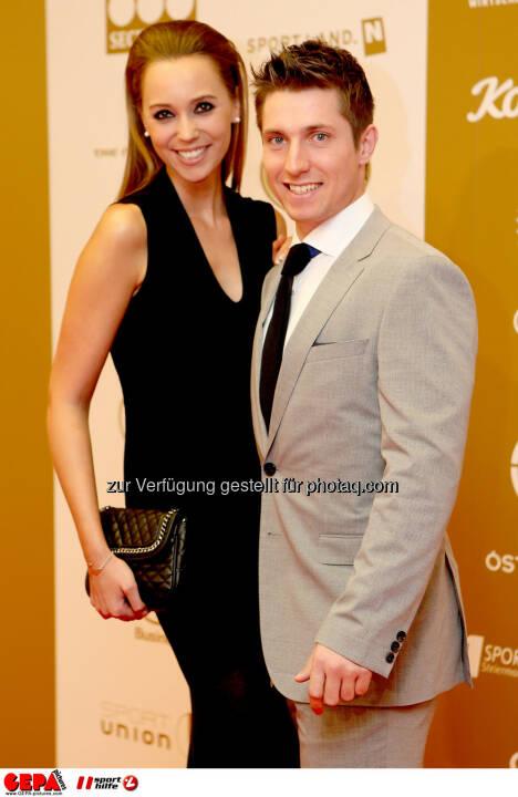Marcel Hirscher (AUT) mit seiner Freundin Laura Moisl. Foto: GEPA pictures/ Christian Walgram