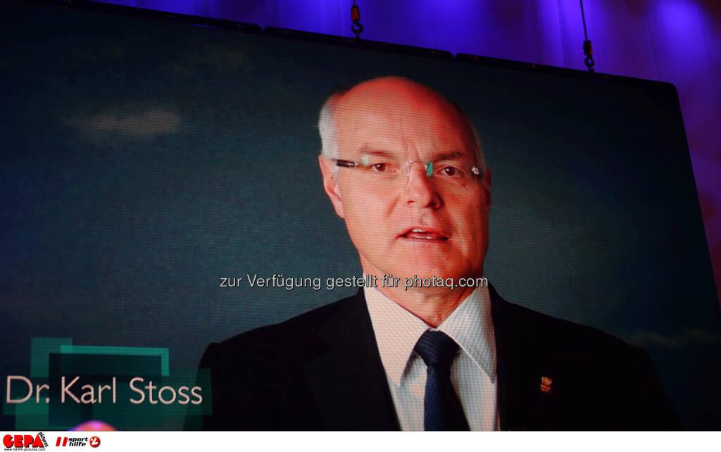 Karl Stoss (OEOC) auf einer Videowall. Foto: GEPA pictures/ Markus Oberlaender (02.11.2013)