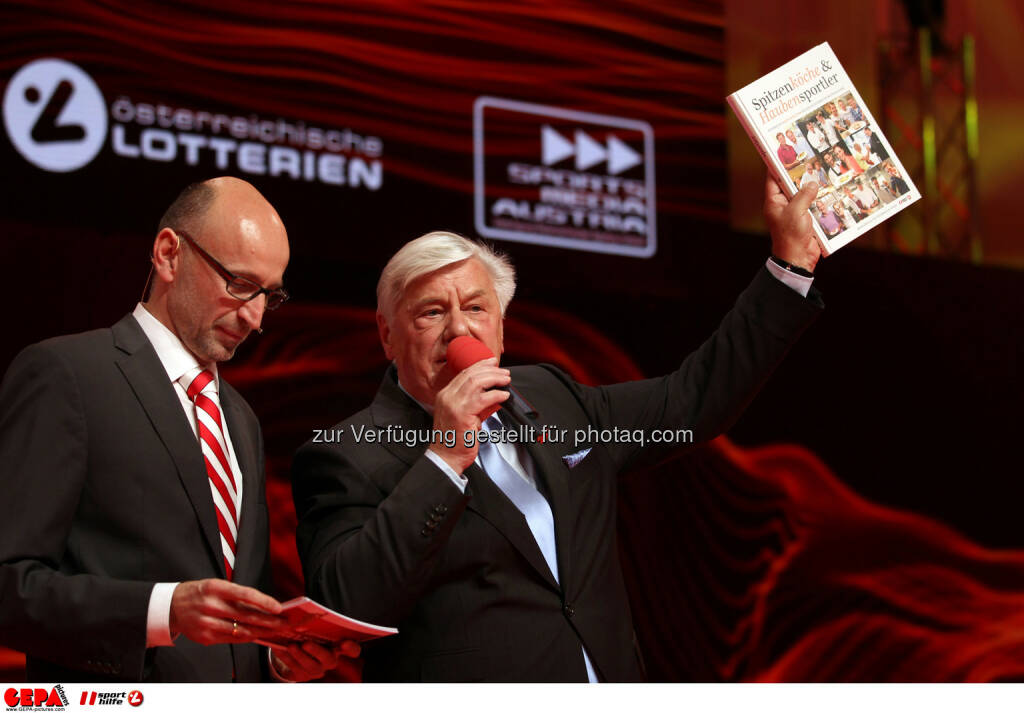 Moderator Tom Blaeumauer und Werner Matt. Foto: GEPA pictures/ Markus Oberlaender (02.11.2013)
