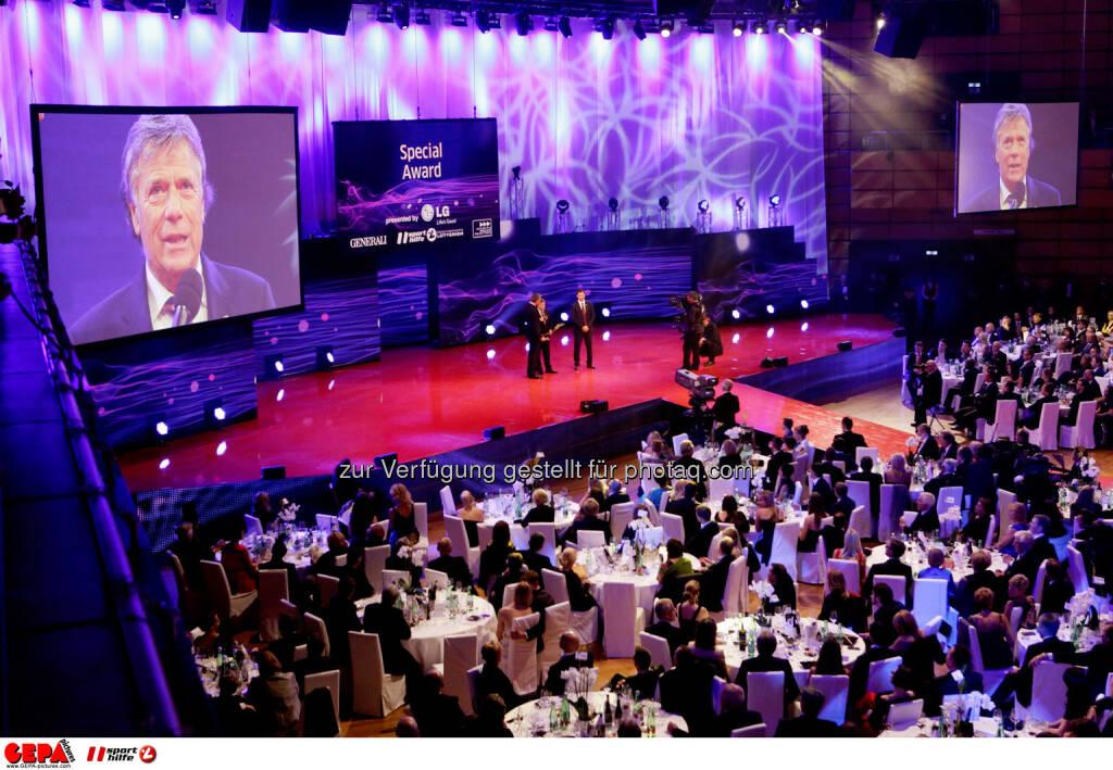 Peter Schroecksnadel (OESV) auf einer Videowall. Foto: GEPA pictures/ Walter Luger (02.11.2013)