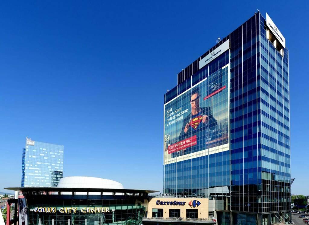 Die Immofinanz Group startete, zusammen mit Warner Bros. Consumer Products, eine Image- und Markenkampagne. Im Mittelpunkt steht der bekannteste Superheld der Filmgeschichte: Superman aus den DC Comics und seine bürgerliche Tarnidentität Clark Kent. Diese Kampagne ist die erste in der Unternehmensgeschichte und wird in einigen Kernländern des Immobilienkonzerns im Fernsehen ausgestrahlt. Unter dem Motto Wenn Clark Kent lieber im Büro bleibt werden das perfekte Büro sowie die Service-Kompetenz des Immobilienkonzerns in den Mittelpunkt gerückt (c) Immofinanz (04.11.2013)