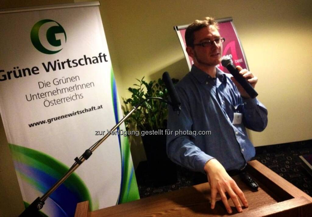 Volker Plass: Klimaschutz-Staatspreisträger Rüdiger Wetzl spricht auf der Generalversammlung der Grünen Wirtschaft über Nachhaltigkeit in Unternehmen , © Grüne Wirtschaft (15.12.2012)