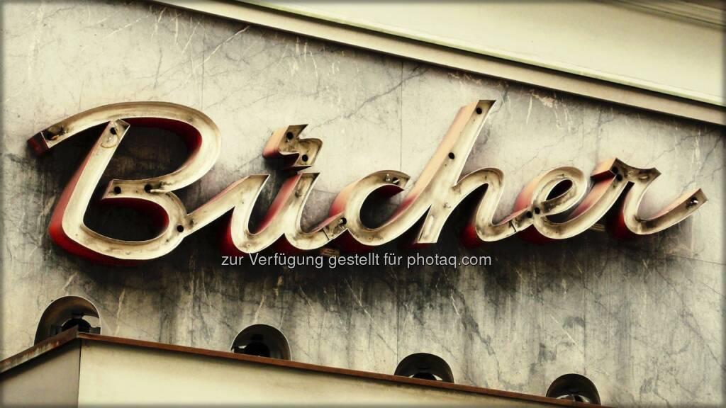 Bücher ; Schild, © Volker Plass (15.12.2012)