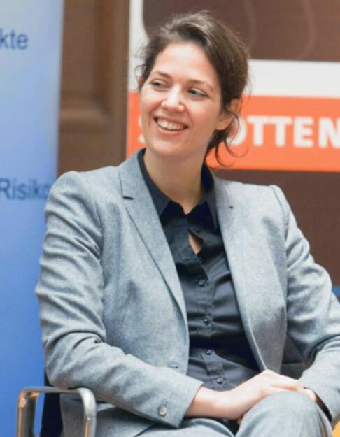 Christine Reitsamer, Baader Bank (14. November), finanzmarktfoto.at wünscht alles Gute! , © entweder mit freundlicher Genehmigung der Geburtstagskinder von Facebook oder von den jeweils offiziellen Websites  (14.11.2013)
