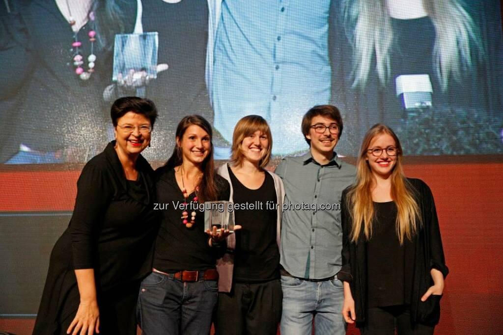 Der Publikumspreis in der Kategorie Open ging an Melanie Schneider und ihr Team für den Kurzfilm Freeze it. 30 Cameras. One Moment, © ZIT, www.contentaward.at , www.zit.co.at (15.11.2013)