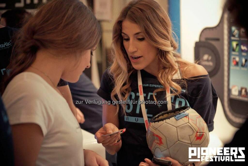 Fussball, Girls © Christoph Kerschbaum/pioneers.io, © pioneers.io (15.11.2013)