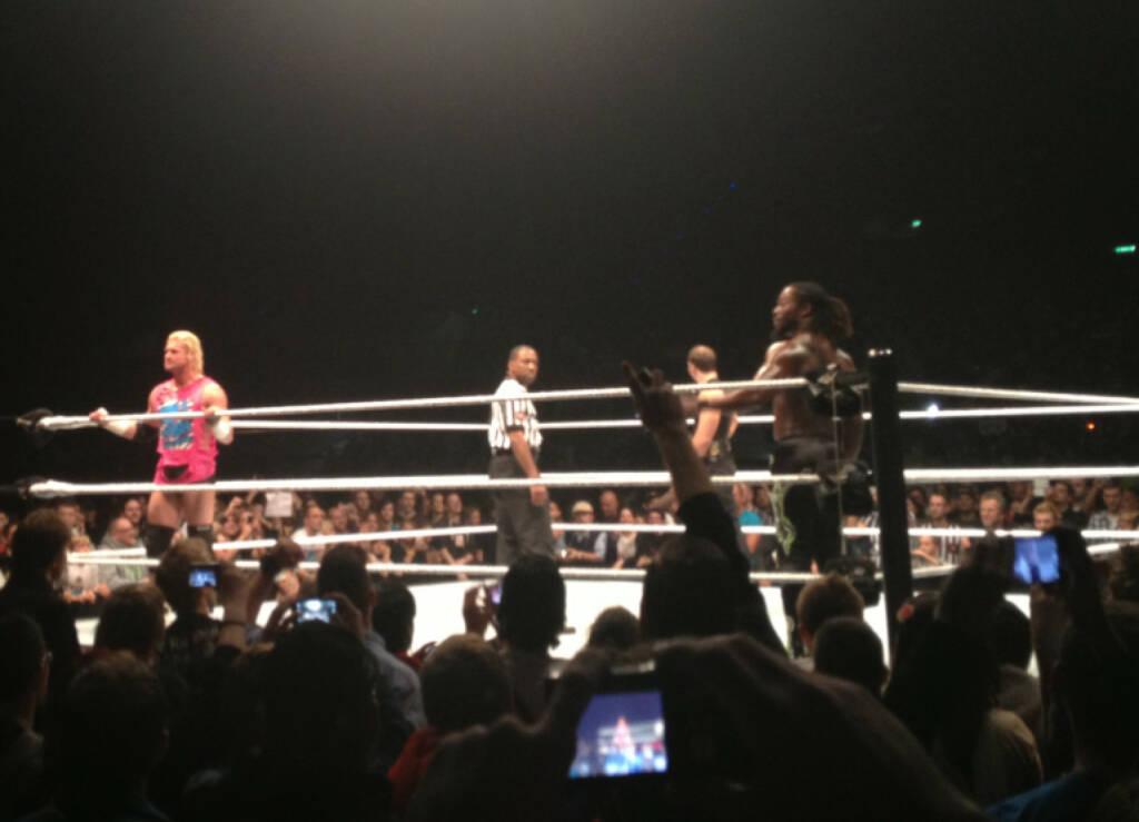 Dolph Ziggler kam beim Publikum besonders gut an, weniger Dean Ambrose, mittel Kofi Kingston (17.11.2013)