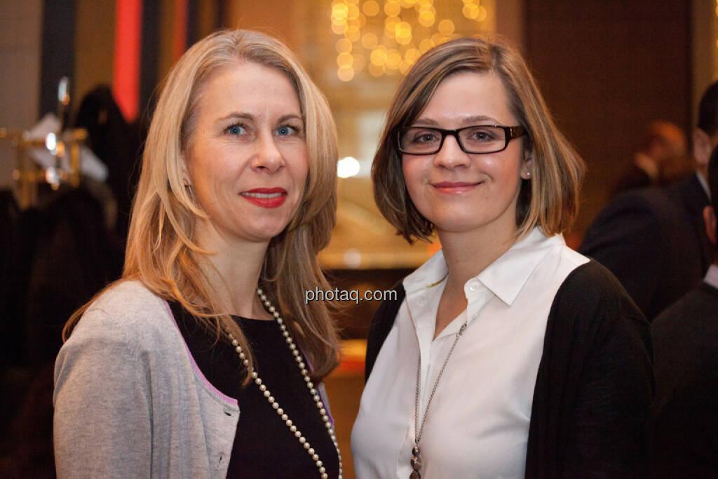 Gunilla Pendt (Leiterin Marketing & Kommunikation Brunel Europe), Doreen Paschke (Referentin Presse- und Öffentlichkeitsarbeit), © Michaela Mejta für Brunel (20.11.2013)
