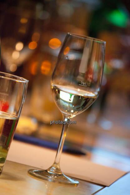 1. Brunel Achterl, Weinglas, Weißwein, © Michaela Mejta für Brunel (20.11.2013)