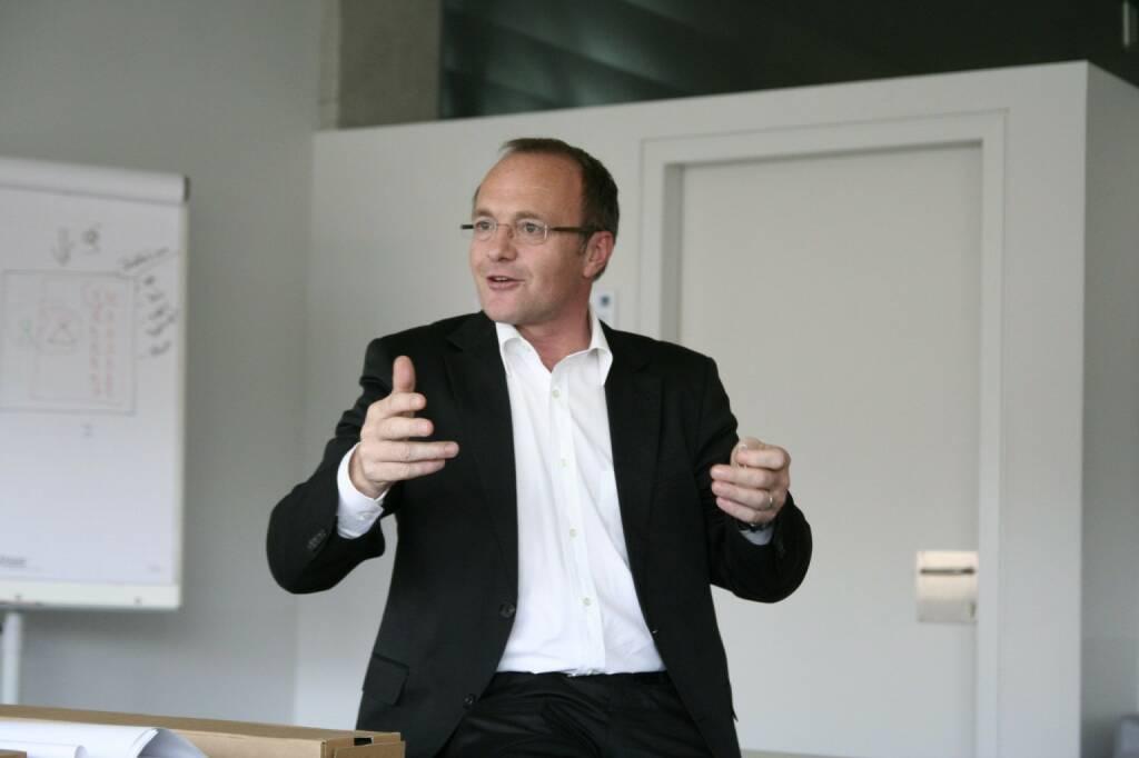 Reinhold Gmeinbauer, Medecco (21. November), finanzmarktfoto.at wünscht alles Gute!, © entweder mit freundlicher Genehmigung der Geburtstagskinder von Facebook oder von den jeweils offiziellen Websites  (21.11.2013)
