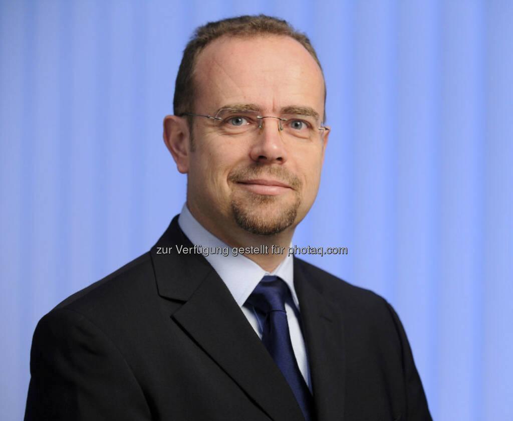 Martin Bruckner präsentiert den Allianz Euro Monitor: Österreich verbessert sich von Rang 3 auf Rang 2 (15.12.2012)