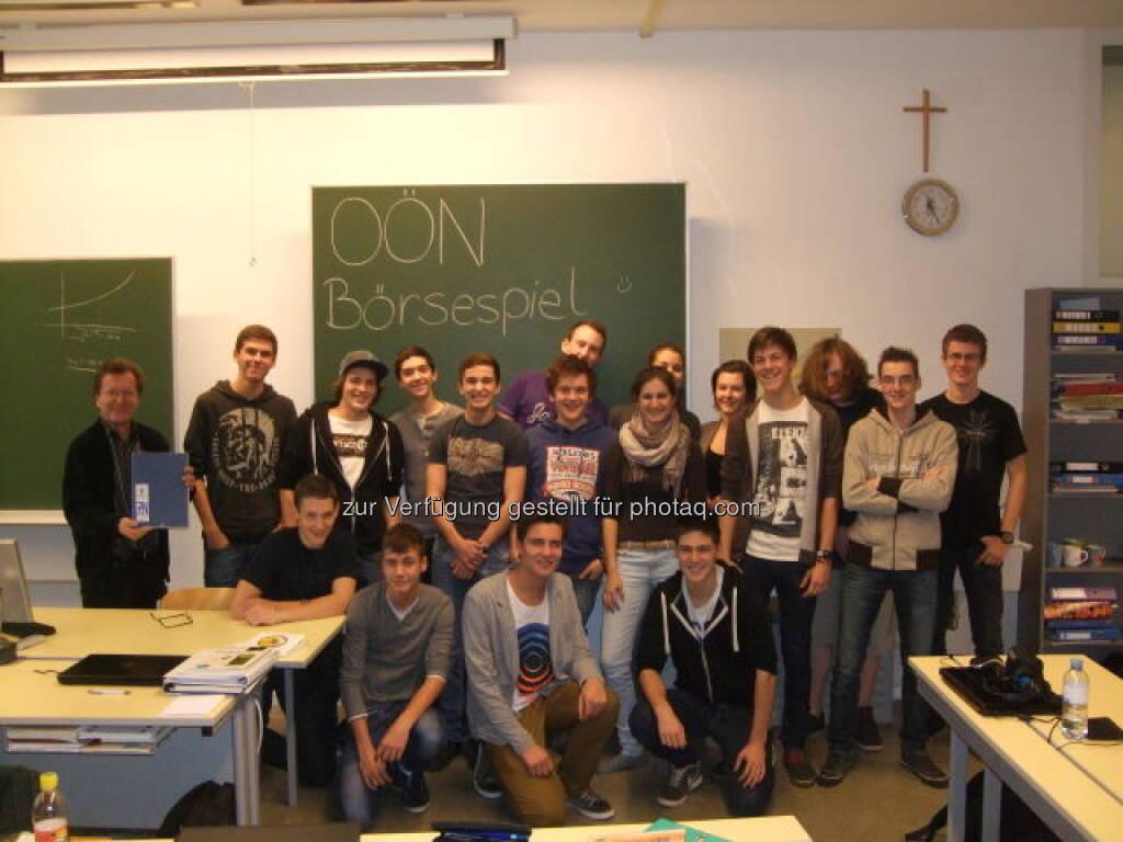 Die 7N des Ramsauer-Gymnasiums macht beim OÖN-Börsespiel mit (c) vach)ÓÖN  (15.12.2012)