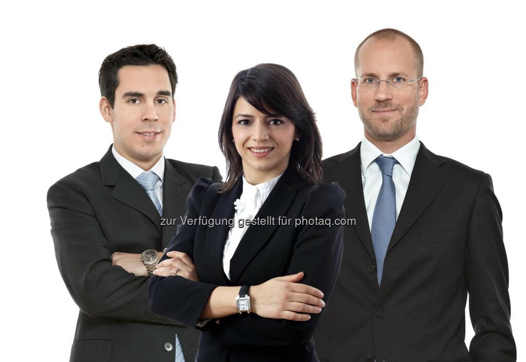 Nidal Karaman (Rechtsanwalt), Monica Cojocaru (Rechtsanwalt) und Alexander Popp (Partner) beraten die chinesische Hareon Solar-Gruppe bei der Errichtung eines Joint Ventures für die Entwicklung und Verwertung von Photovoltaik-Parks in Rumänien. (Foto: Schönherr) (15.12.2012)
