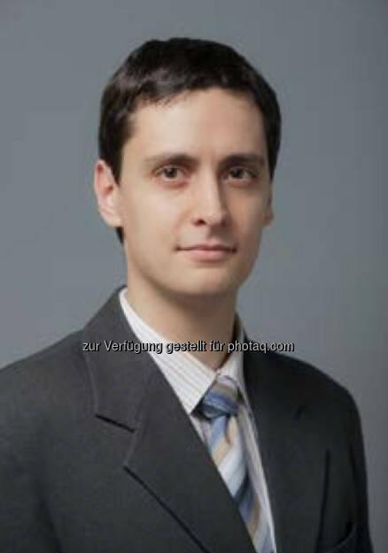 Zoltán Árokszállási ist neuer Senior Analyst in der Erste Group Bank AG in Wien. In seiner neuen Funktion ist er für den Bereich CEE Makro sowie die FI und FX- Märkte der Region zuständig (c) Aussendung (27.11.2013)