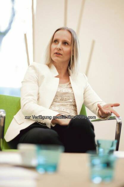 """Eveline Steinberger-Kern, seit 2012 für das Siemens-Energiegeschäft in Österreich und CEE zuständig, verlässt mit Ende des Jahres Siemens. Sie nimmt eine neue berufliche Herausforderung im Bereich green technologies an. """"Es waren zwei erfolgreiche und sehr interessante Jahre in einem der wichtigsten Technologiekonzerne der Welt"""", erklärt Eveline Steinberger-Kern. Ihr Vertrag endet mit 30. Juni 2014. (29.11.2013)"""