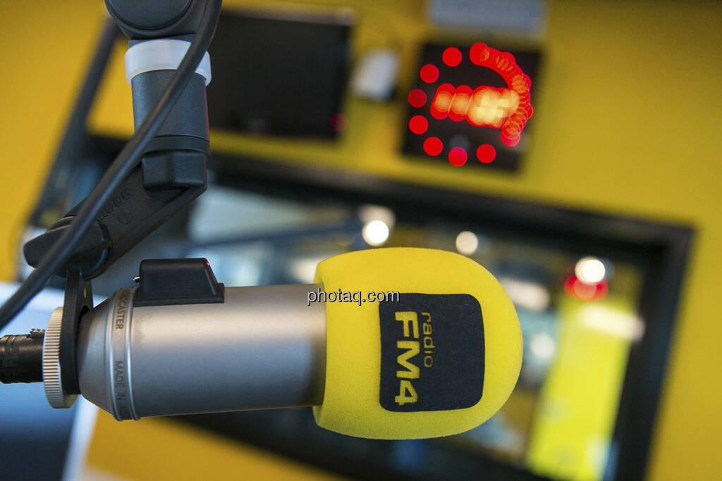 FM4, ein Mic, © Martina Draper (15.12.2012)