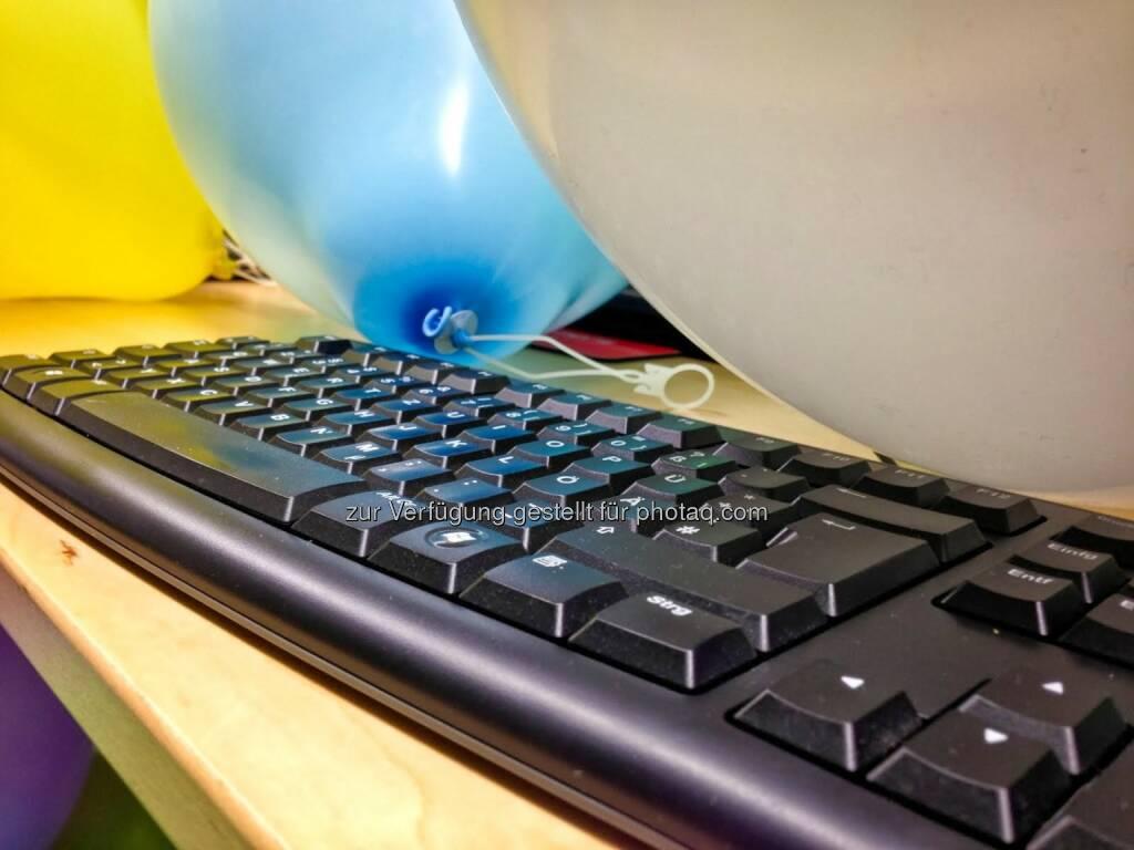 Luftballon, Tastatur, © wikifolio.com (03.12.2013)