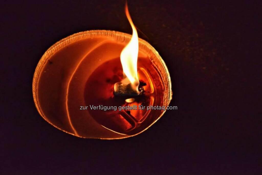 Kerze, brennend, Lichter im Advent, www.fotomoldan.at, © Bernd Moldan (07.12.2013)