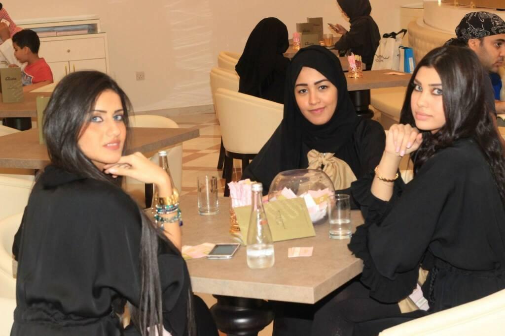 Aida-Kundinnen in Saudiarabien (07.12.2013)