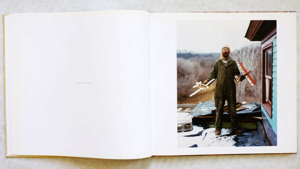 Eine Seite aus Alec Soth - Sleeping by the Mississippi, Preis:400-600 Euro http://josefchladek.com/book/alec_soth_-_sleeping_by_the_mississippi (08.12.2013)