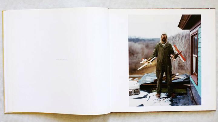 Eine Seite aus Alec Soth - Sleeping by the Mississippi, Preis:400-600 Euro http://josefchladek.com/book/alec_soth_-_sleeping_by_the_mississippi